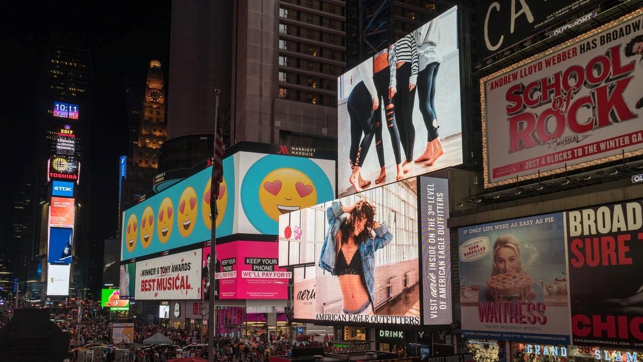 Increasing Brand Awareness Using Digital Signage 101